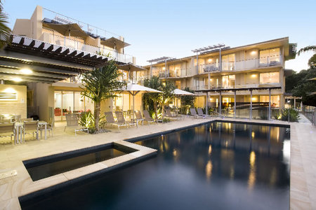 Maison Noosa Luxury Beachfront Resort - Accommodation Burleigh