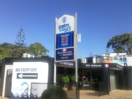 Palm Court Motor Inn - Accommodation Burleigh
