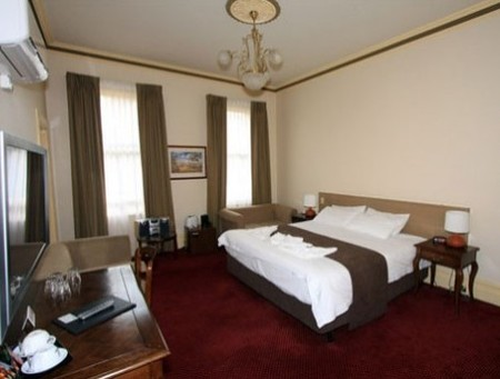 Glenferrie Hotel - Accommodation Burleigh