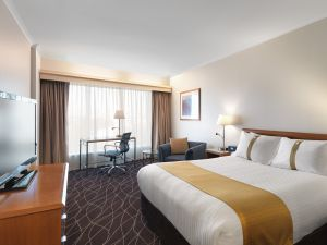 Holiday Inn Sydney Airport - Accommodation Burleigh
