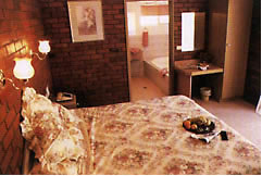 Colonial Motor Lodge - Accommodation Burleigh