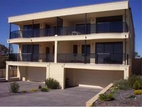 The Lighthouse Accommodation - Accommodation Burleigh