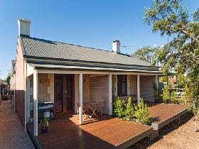 Strathalbyn Villas - Accommodation Burleigh