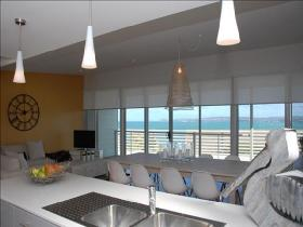 The View - Accommodation Burleigh