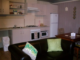 Little Para Cottage - Accommodation Burleigh
