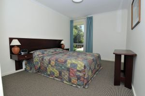 Norwood Apartments Donegal Street - Accommodation Burleigh