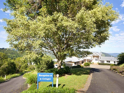 Blue Summit Cottages - Accommodation Burleigh