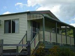Halls Country Cottages - Accommodation Burleigh