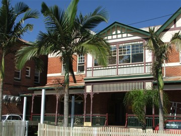 Maclean Hotel - Accommodation Burleigh