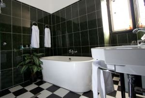 Amore Boutique Bed and Breakfast - Accommodation Burleigh
