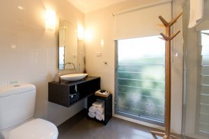 Blackwattle Luxury Retreats - Accommodation Burleigh