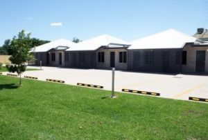 Emerald Park Motel - Accommodation Burleigh
