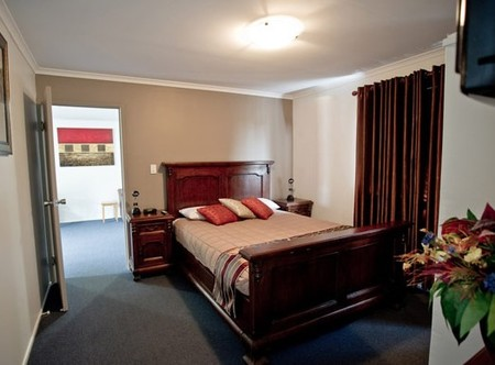 Centrepoint Motor Inn - Accommodation Burleigh
