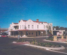 Namoi Hotel Motel - Accommodation Burleigh