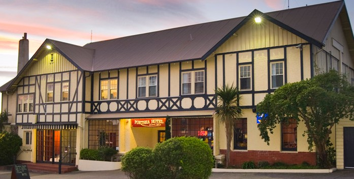 The Portsea Hotel - Accommodation Burleigh