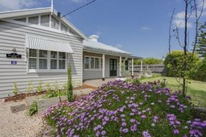 Blakiston House - Accommodation Burleigh