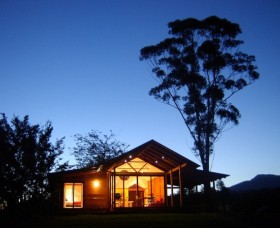 Promised Land Cottages - Accommodation Burleigh