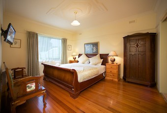 Nazaaray Beach House - Accommodation Burleigh