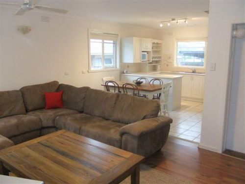 Rosebud Beach House on Kennington - Accommodation Burleigh