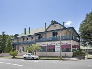 The Victoria amp Albert Guesthouse - Accommodation Burleigh