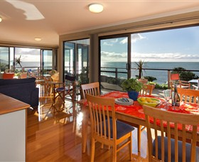 Boat Harbour Beach House - The Waterfront - Accommodation Burleigh