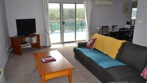 House on the Hill Port Campbell - Accommodation Burleigh
