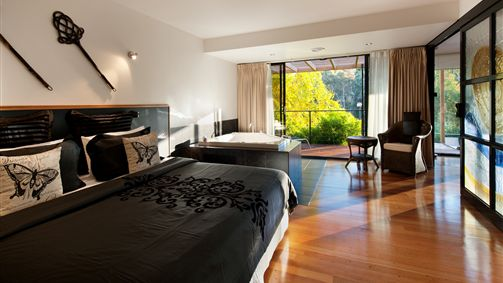 Springs Spa Villa - Accommodation Burleigh
