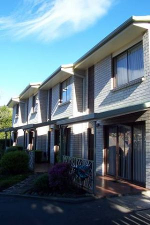 Davey Place Holiday Town Houses - Accommodation Burleigh