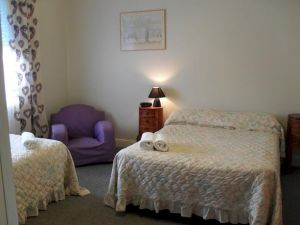 Aaron Cottage - Accommodation Burleigh