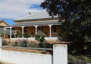 Book Keepers Cottage Waikerie - Accommodation Burleigh