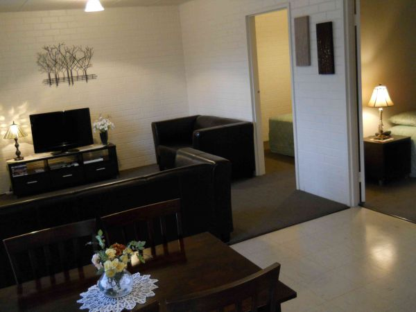 BJs Short Stay Apartments - Accommodation Burleigh