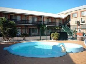 Goolwa Central Motel And Murphys Inn - Accommodation Burleigh