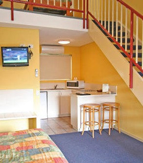 Coastal Motel - Accommodation Burleigh