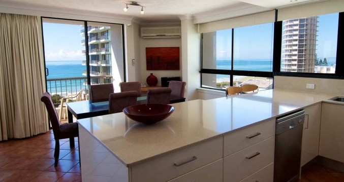 Carrington Court - Accommodation Burleigh