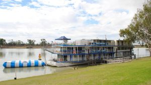 Murray River Queen Backpackers - Accommodation Burleigh
