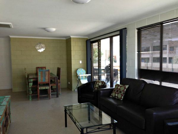 Petes Place - Accommodation Burleigh