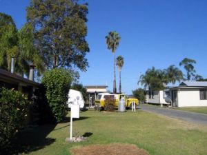 Browns Caravan Park - Accommodation Burleigh