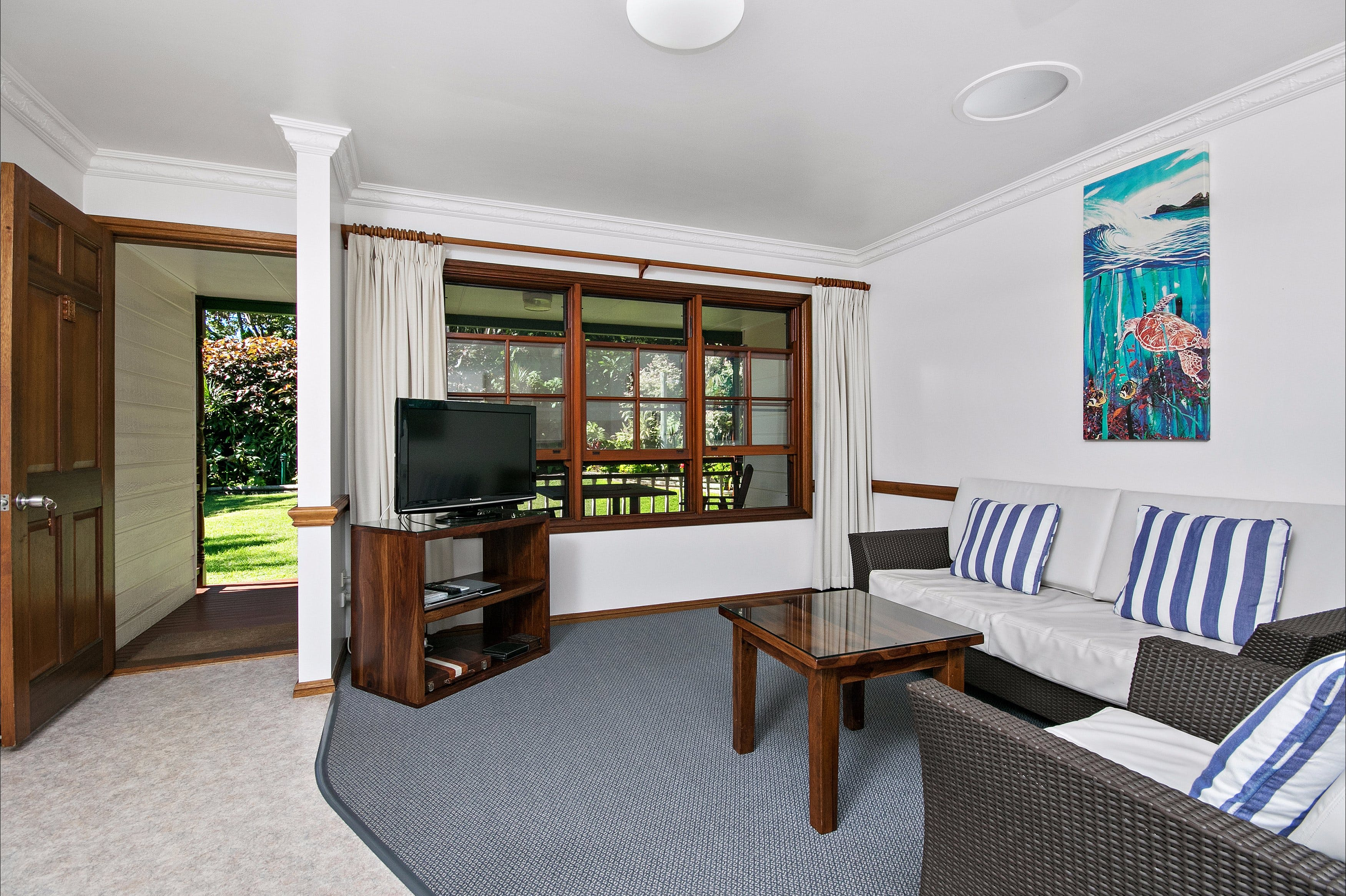 Lorhiti Apartments - Accommodation Burleigh