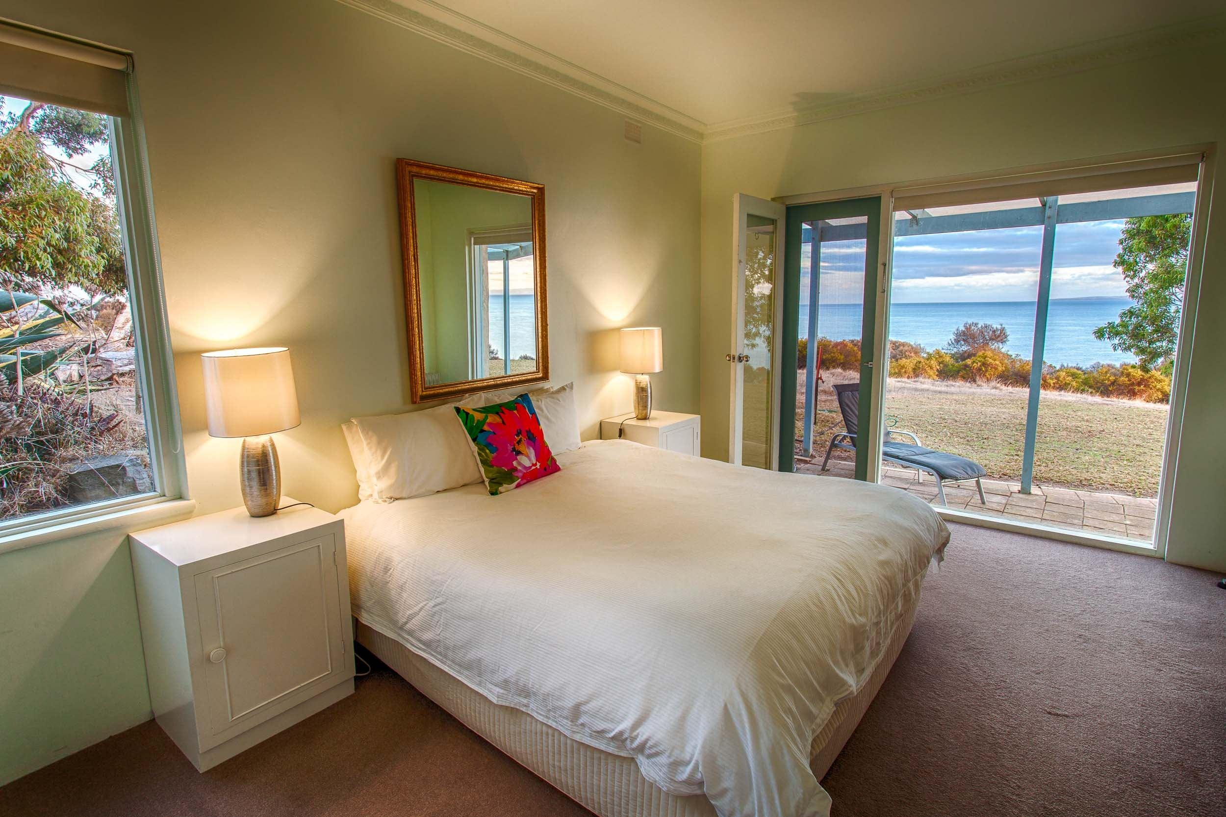Antechamber Bay Retreats - Accommodation Burleigh