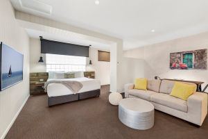 Moonlight Bay Apartments - Accommodation Burleigh