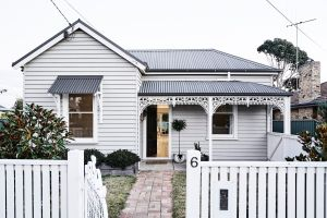 The Fox House Kyneton - Accommodation Burleigh
