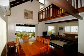 Bonny Hills Beach House - Accommodation Burleigh