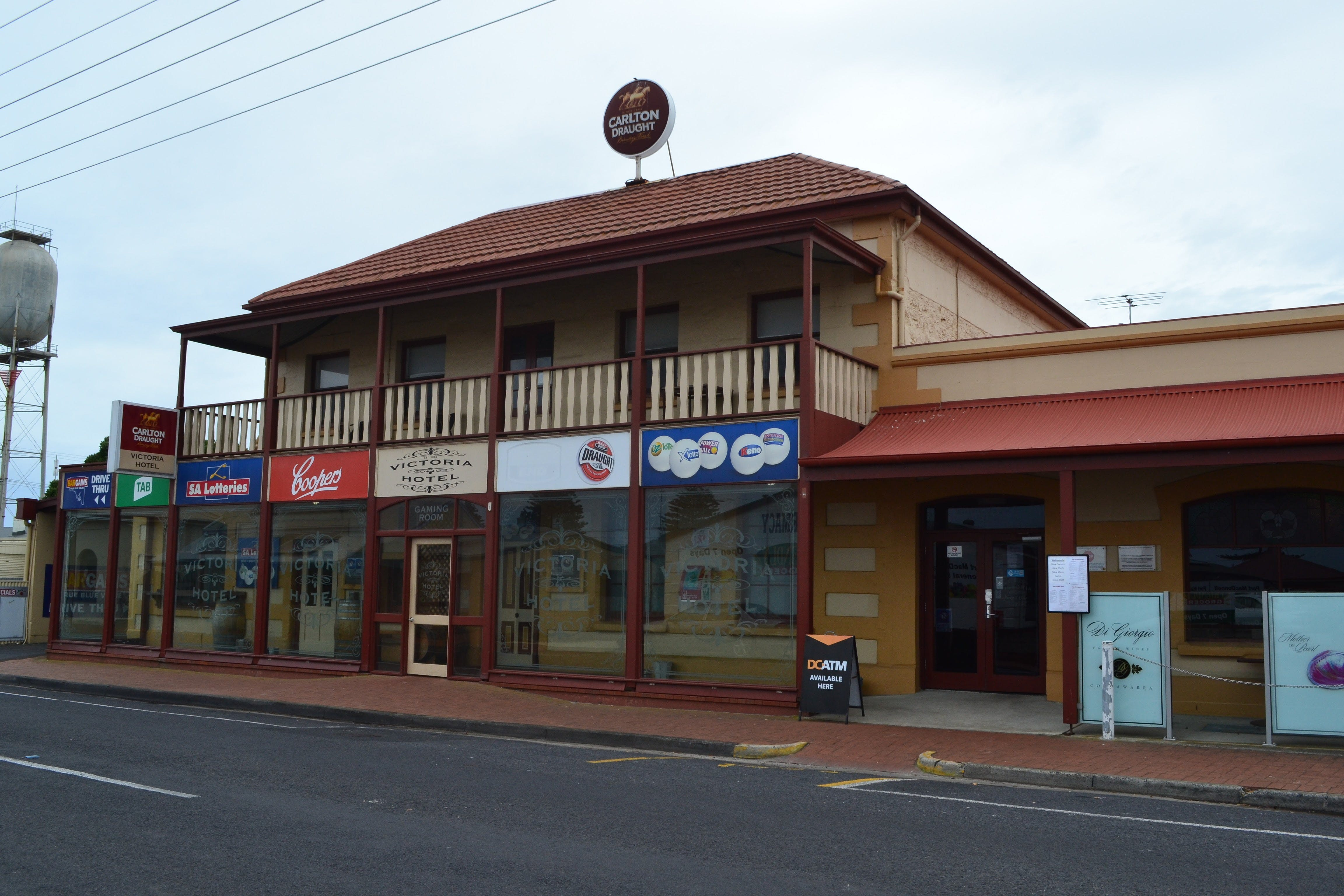 Victoria Hotel Port McDonnell - Accommodation Burleigh