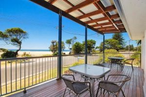 Seascape Holiday Apartments Lake Cathie - Accommodation Burleigh