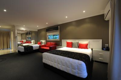 The Gateway Village Holiday Park - Accommodation Burleigh