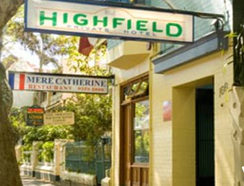 Highfield Private Hotel - Accommodation Burleigh