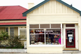 Old Maypole Collectables  Antiques - Accommodation Burleigh