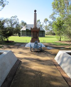Mitchell War Memorial - Accommodation Burleigh