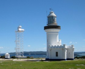 Point Perpendicular Lighthouse and Lookout - Accommodation Burleigh