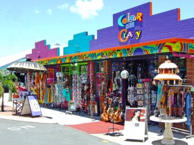 Colour Me Crazy - Accommodation Burleigh